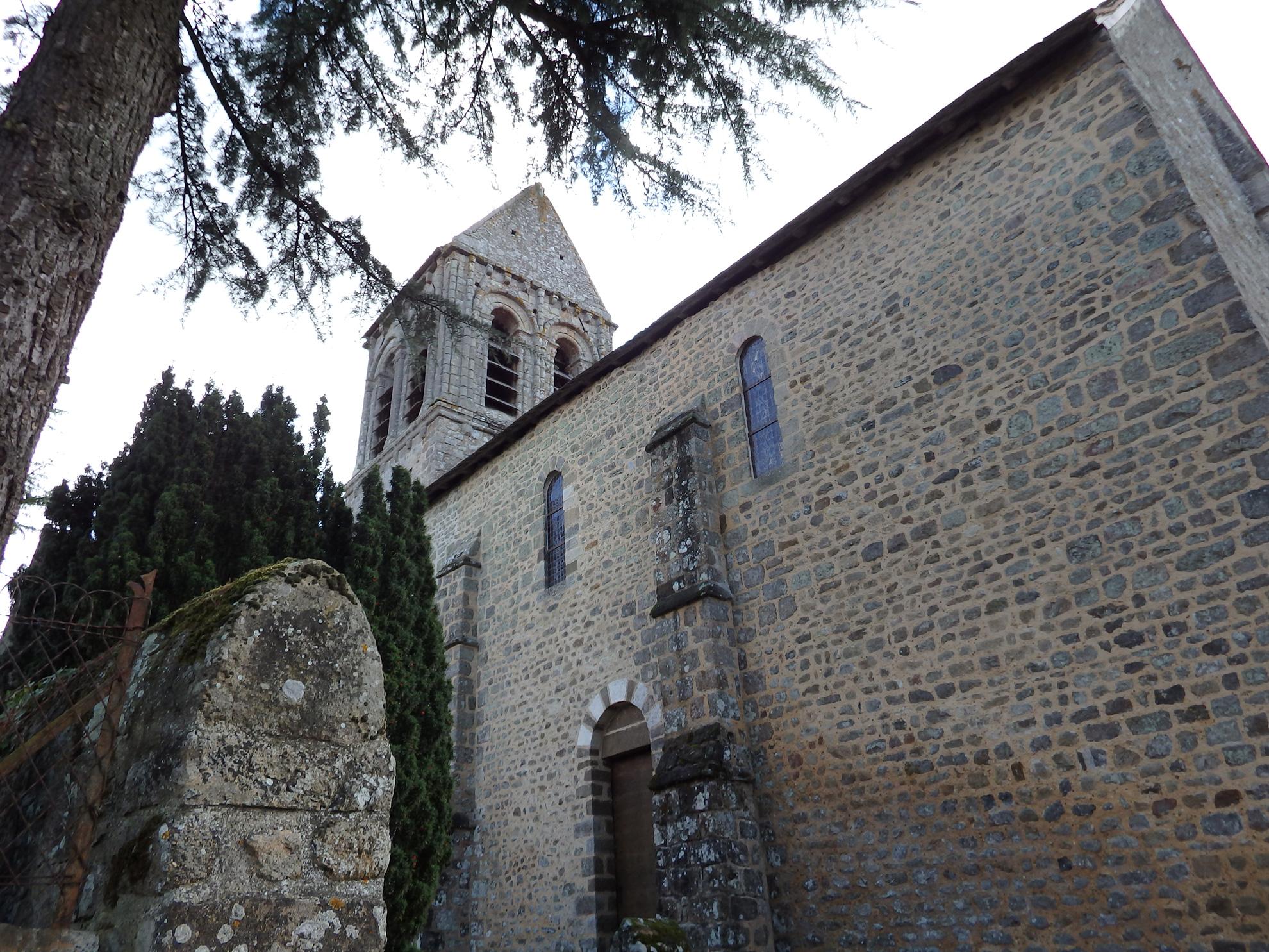 Vue de l'église de Saint-Céneri-le-Gerei