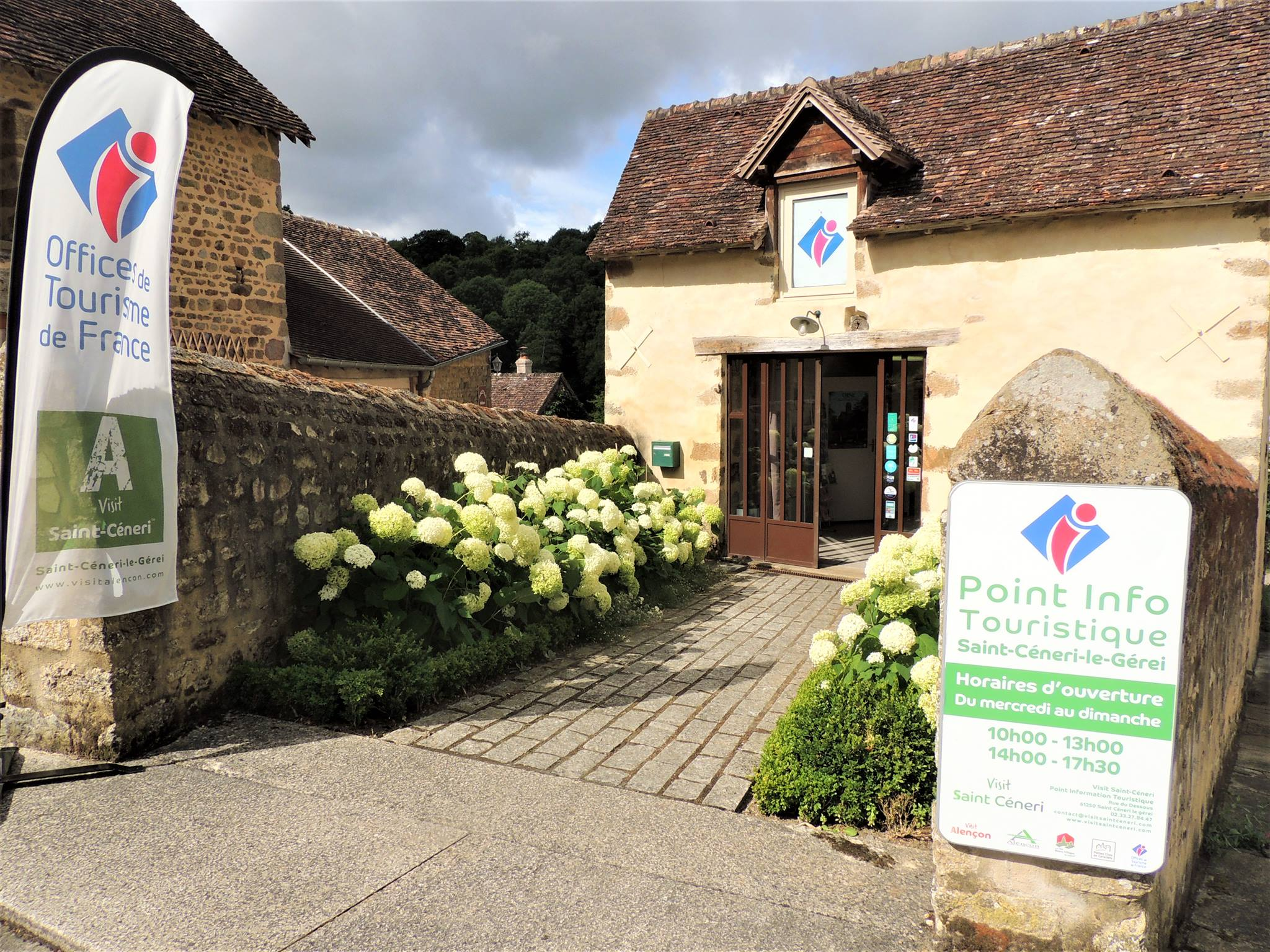 Point Info Tourisme de Saint-Céneri-le-Gerei